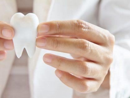 Leczenie endodontyczne czyli dlaczego leczenie kanałowe to ostatni ratunek dla zęba.