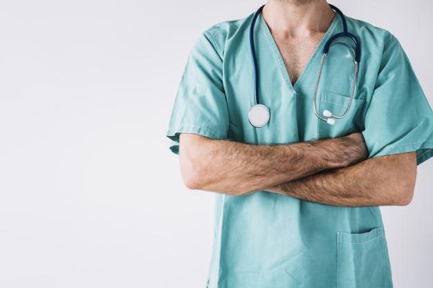 Chirurg stomatolog czy chirurg szczękowy – sprawdzamy czy i czym różnią się od siebie te dwie specjalizacje